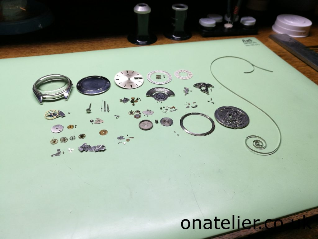 Eterna-Calibre-1457U-disassembled