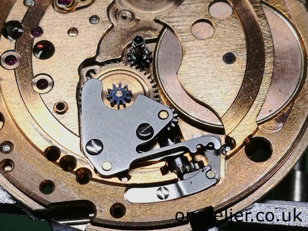 Omega Calibre 561 Keyless work