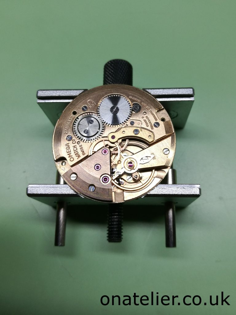Omega Calibre 601 Balance side