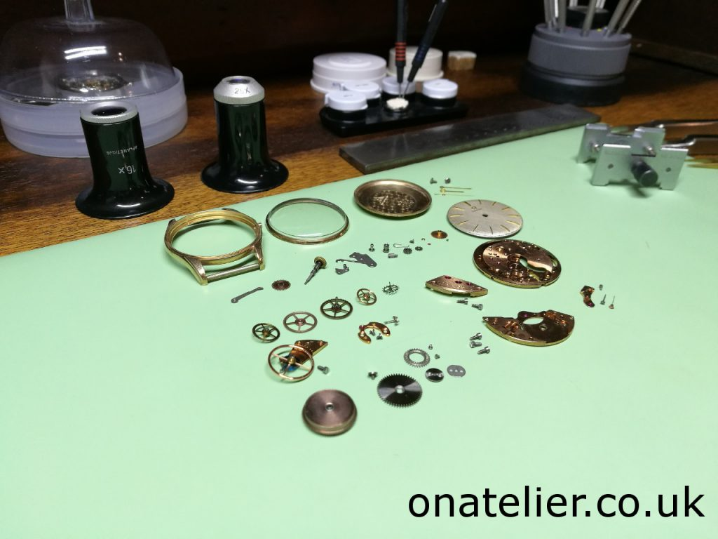 Omega Calibre 285 disassembled
