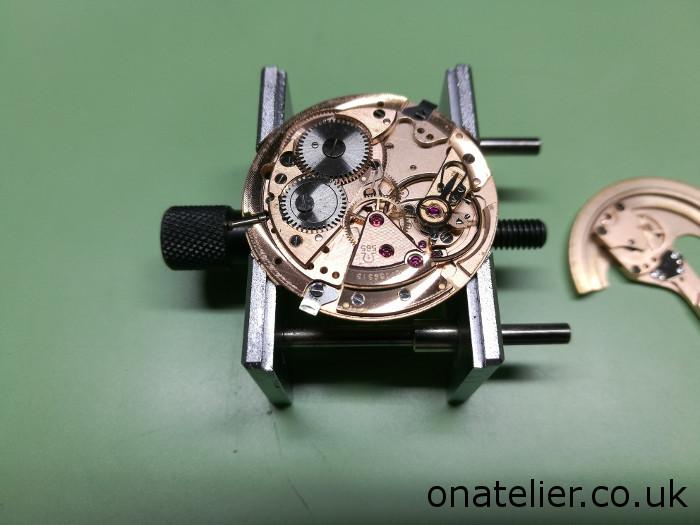 Omega-Calibre-565
